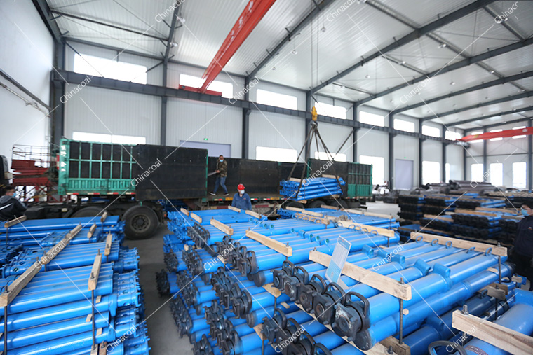 China Coal Group A Batch Hydraulic Props, Flatbed Truck, U-shaped Steel Bracket Sent To Nationwide Multiple Provinces